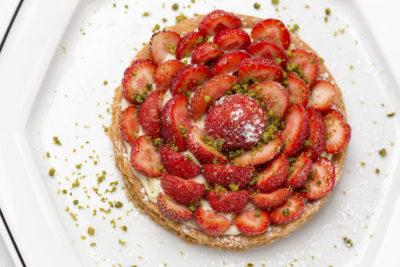 photographe culinaire en IDF, tarte à la fraise du restaurant Le Dôme